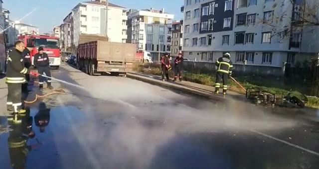 MOTOSİKLET SEYİR HALİNDE ALEV ALDI
