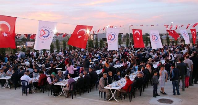 İFTAR SOFRASI VELİKÖY'DE KURULDU