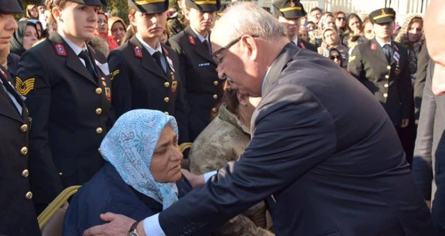 ALBAYRAK, ŞEHİT ASTSUBAY ESMA ÇEVİK'İN CENAZESİNE KATILDI