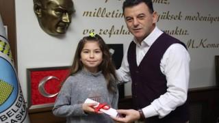 BAŞKAN ÇETİN'DEN MAVİ KAPAK TOPLAMA KAMPANYASINA DESTEK