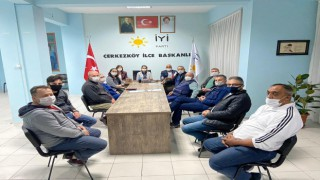 İYİ PARTİ'DEN SOSYAL MESAFELİ BAYRAMLAŞMA